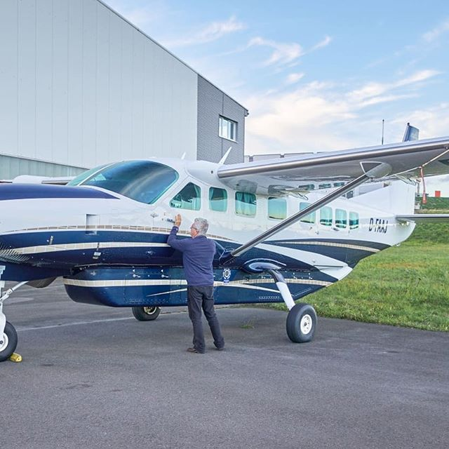 We are excited to announce that we have just purchased a Cessna Grand Caravan C208B from Germany!  This new addition to the family is currently being painted and configured in Oklahoma to make sure it fits in with the rest of our fleet.  Similar to our other aircraft, everyone gets a window seat📷🏔. Watch this space, more updates coming soon✈️. #milfordsoundscenicflights #milfordsound #destinationNZ #adventure #travelnz #queenstown #queenstownnz #nzmustdo #newzealandgram #nz #southisland #beautifulplaces #discovernewzealand #newzealandvacations #purenz #downsouthnz #naturelovers #cessna #windowseat