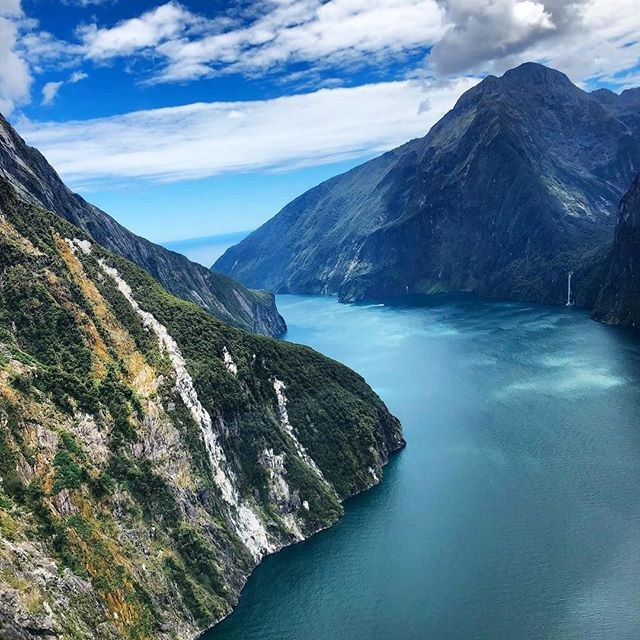 How many waterfalls can you spot ⛰💦? . 📸 @miaxo . . . . #milfordsoundscenicflights #milfordsound #destinationNZ #adventure #travelnz #nzmustdo #newzealandgram #southisland #beautifulplaces #discovernewzealand #newzealandvacations #purenz #downsouthnz #landscapesnz #lifeofnewzealand #wonderlustnewzealand #wanderlustofnz #bestnewzealand #goNZ #earthpixnz #naturelovers #purenewzealand #ignewzealand #wanderlust #travelstoke #wanderlustofnz #fiordlandnationalpark #lovefiordland #gottalovenz #waterfalls