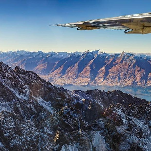 Check out this incredible shot captured by @thekiwifrog  on a recent flight from Queenstown to #MilfordSound!  #MilfordSoundScenicFlights #thekiwifrog #windowseat #Queenstown #destinationnz