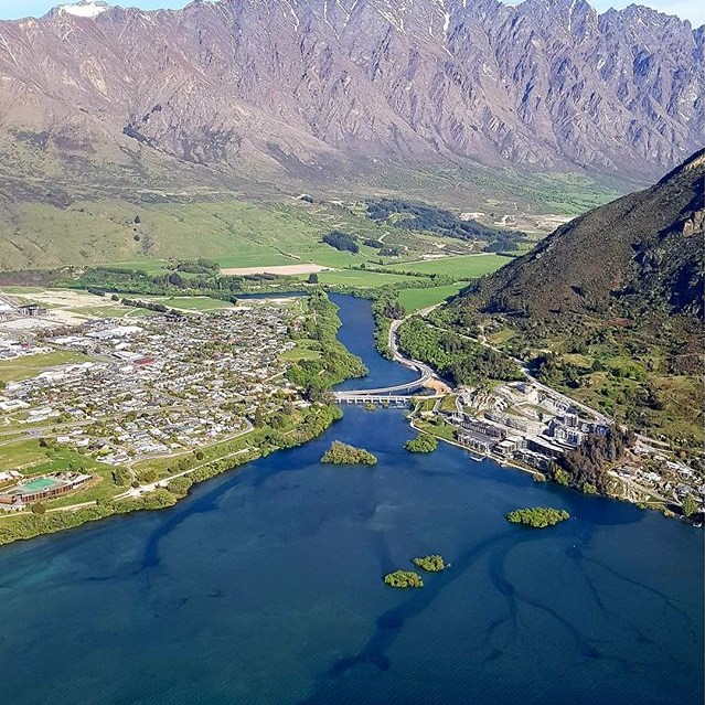 What better way to take in the beauty of Queenstown, than from the air 😍🛩️⛰️! . . . . . #milfordsoundscenicflights #newzealandguide #destinationnz #ig_newzealand #travelnz #nzmustdo #nz #newzealand #southisland #newzealandfinds #newzealandvacations #purenz #purenewzealand #kiwipics #kiwi_photos #realmiddlearth #lifeofnewzealand #wonderlustnewzealand #wanderlustofnz #bestnewzealand #goNZ #earthpixnz #queenstownholidays #queenstownlive #queenstown #gottalovenz #newzealandnatural #theremarkables #lakewakatipu