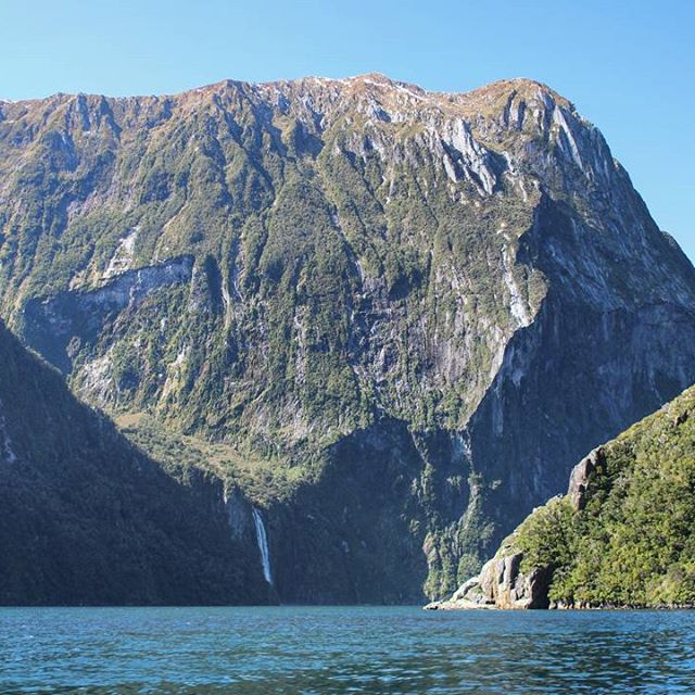 Experience Milford Sound from two incredible perspectives. Fly over the towering peaks of Fiordland then cruise at water level to see just how high they rise above!