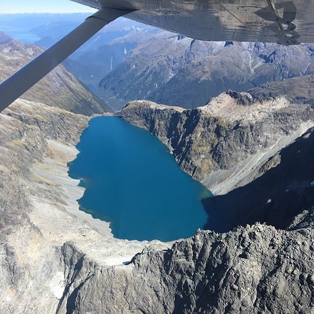 Who else agrees there's only one way to get to Milford Sound - Another epic shot taken on a flight last week before the snow arrived!  #milfordsoundscenicflights #milfordsound #fiordland #queenstown #destinationNZ #adventure #travelnz #queenstownnz #nzmustdo #newzealandgram #nz #southisland #beautifulplaces #discovernewzealand #newzealandvacations #purenz #downsouthnz #naturelovers