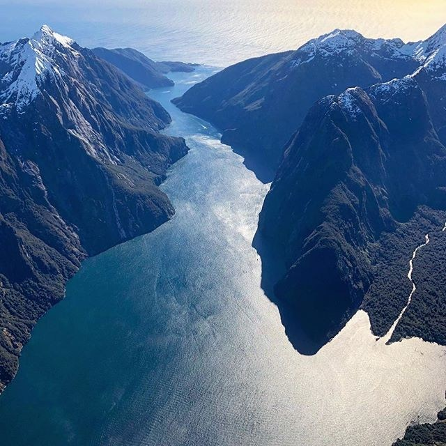 Wow, what an incredible shot of Milford Sound taken by @duiduizhu !  #milfordsoundscenicflights #milfordsound